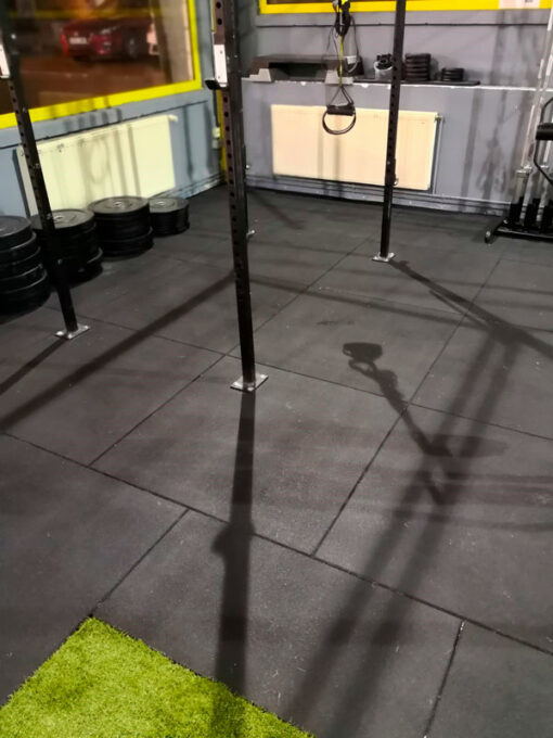 suelo losetas gimnasio