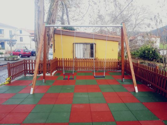 losetas de caucho para parques infantiles