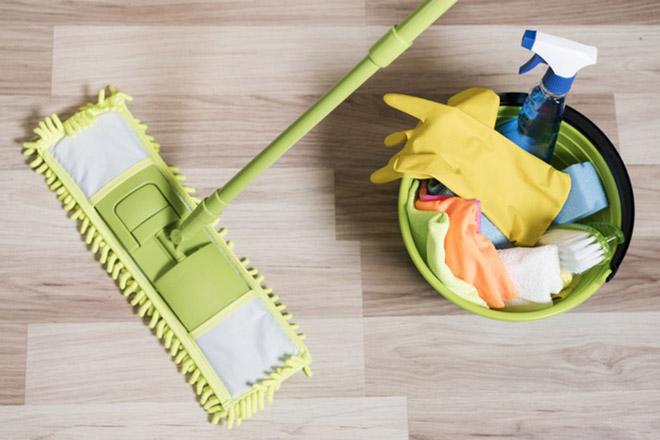 Limpieza suelo colegios